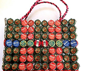 "BOTTLE CAP BASKET, 236 tops,beer,soda,Uganda,Sri Lanka,South Africa,vintage handmade carrying case,11""x8""x4"",folk art,Lion Lager,Castle,vg"