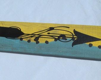 Wall art black arrow on reclaimed wood