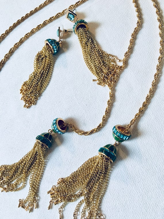 Beautiful Blue Invisibly Set Rhinestone with Green Enamel Tassel Lariat Flapper Goldtone Necklace & Earring Set