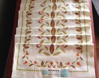 Set of Jewel Tea Autumn Leaf Tea Towels