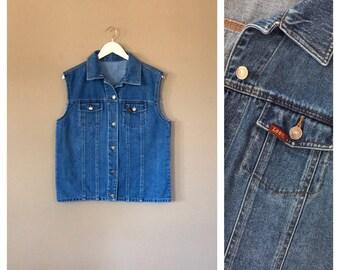90s Vintage Lee Denim Vest Shirt / 90s denim shirt / 90s top / 80s Shirt / 90s Shirt / 90s hip hop / 90s clothing / 90s grunge clothing