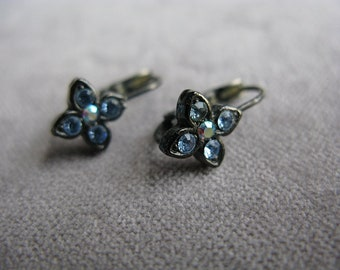 Vintage 1928 Jewelry Co Light Sapphire Blue Rhinestone Antiqued Silver Earrings 1980s Bridal Bridesmade Something Blue Prom Victorian