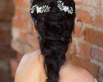 White floral bridal hairpins, Wedding flower hair vine, Bridal hair pins, Crystal set hairpins, Bridal hairpiece, Bridesmaids hair accessory