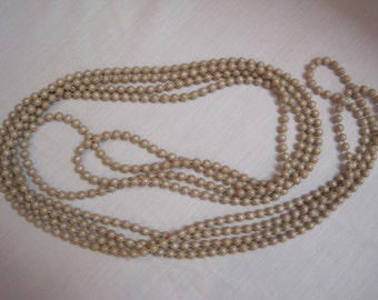 Vintage 1940s and 1950s Flapper Style Necklace 140 Inches Round