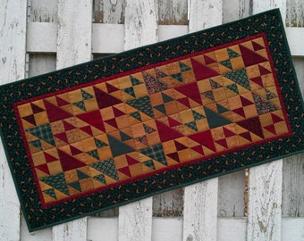 Quilted Table Runner (XTRB) Christmas