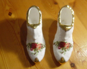 "pair of royal albert ""old country roses"" fine bone china shoes,cabinet curios,xmas present"