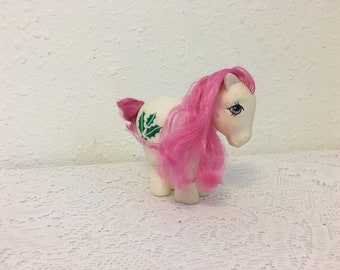 December Holly Birthflower Pony, Birthflower Ponies, My Little Pony, vintage G1 My Little Pony, Friendship is Magic
