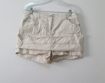 Misses 12P 12 Petite Beige Mini Skirt Skort Skirt front and back with Shorts Underneath See Details