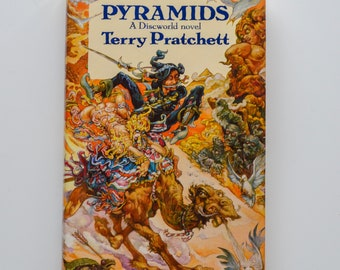Pyramids by Terry Pratchett (Hardback) 1989 BCA First Edition