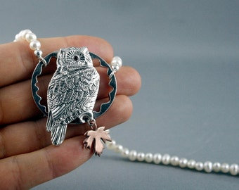 Gorgeous owl necklace with white pearls for a nature loving lady. Harry Potter owl.