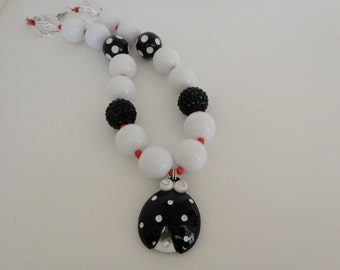 Black white red chunky little girl toddler sparkly photo shoot prop birthday gift party favor ladybug bubble gum necklace