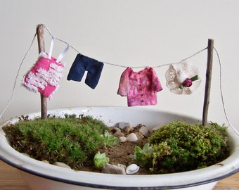Fairy Garden Accessory Beachcomber Clothesline with Miniature Clothes DIY for your Beach Themed Fairy Garden, Miniature Garden Decoration