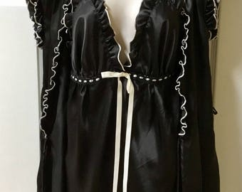 Vintage Short Peignoir Set / Baby Doll Lingerie Set / Satin Nightie and Robe / SZ S / By Enchanting