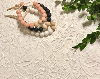 "Silicone Teething Bracelet, BPA Free, Food-grade Materials // ""The Spade"""