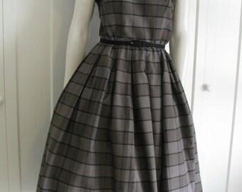 """Vintage 50's Classic  Plaid Dress - 1950's Cap Sleeve Cotton Blend Size Medium - Waist 28"""""""