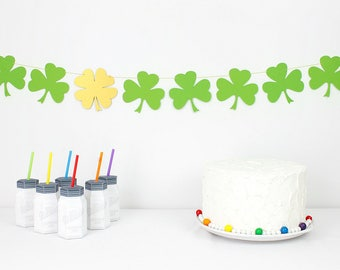 Shamrock Garland Kit : U-String Clover Bunting   St. Patrick's Day Party Decoration   Four Leaf Clover   Lucky Banner   Irish Photo Prop