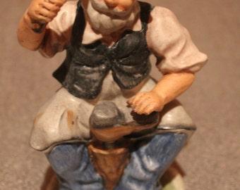 Vintage Starset Cobbler Figurine