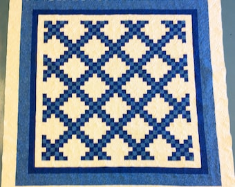 King Size Blue & White Irish Chain patchwork FINISHED QUILT - Feather Quilting