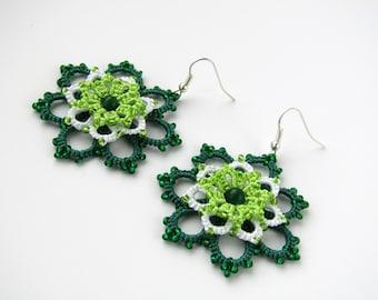 Green earrings Lace earrings Handmade earrings beaded earrings Dangle earrings tatting small earrings Lace jewelry gift emerald earrings