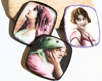 to be customized : frensh Vintage woman, on old french vintage plate melaminate frame