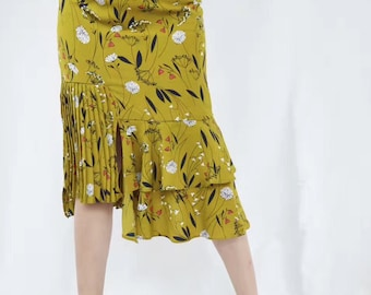 Floral unsymmetrical midi skirt with front slit