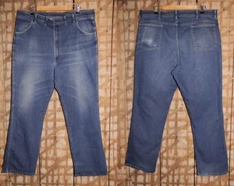 Vintage 90s 'Wrangler' Dark Blue Denim Jeans with Straight Leg, 90s denim, 90s jeans, Wrangler jeans, 90s brand jeans, unisex, unisex jeans