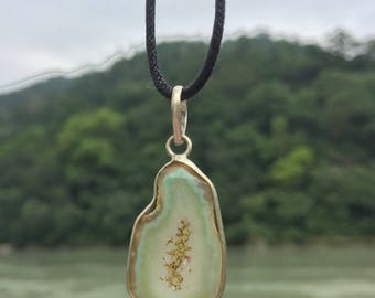Stunning Himalayan Quartz Stone Necklace in Mint Green and Gold