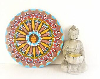 Mandala per decorare la parete con simboli buddisti di buon auspicio, cm 20, spedizione gratuita, regalo per anniversario, amica lontana.