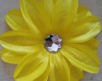 set of 2 large appliques flowers yellow 12cm