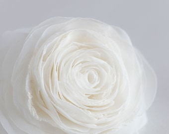 Ivory bridal flower hair clip - Rose hair flower - Bridal hair piece - Flower hair piece