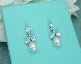 Earrings Wedding, freshwater pearl bridal earrings, cubic zirconia earrings, wedding jewelry, wedding earrings,  Vivienne Pearl Earrings