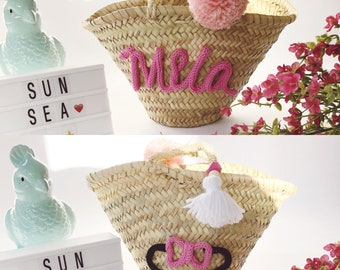 Straw basket with name and shape in knitting and pom poms / child shopping cart / basket tassels / personalized gifts