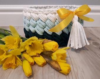 Crochet Basket  Baby Basket whit pompon Home Decor Photo Prop Crochet Bowl Gift basket - Handmade - Crochet