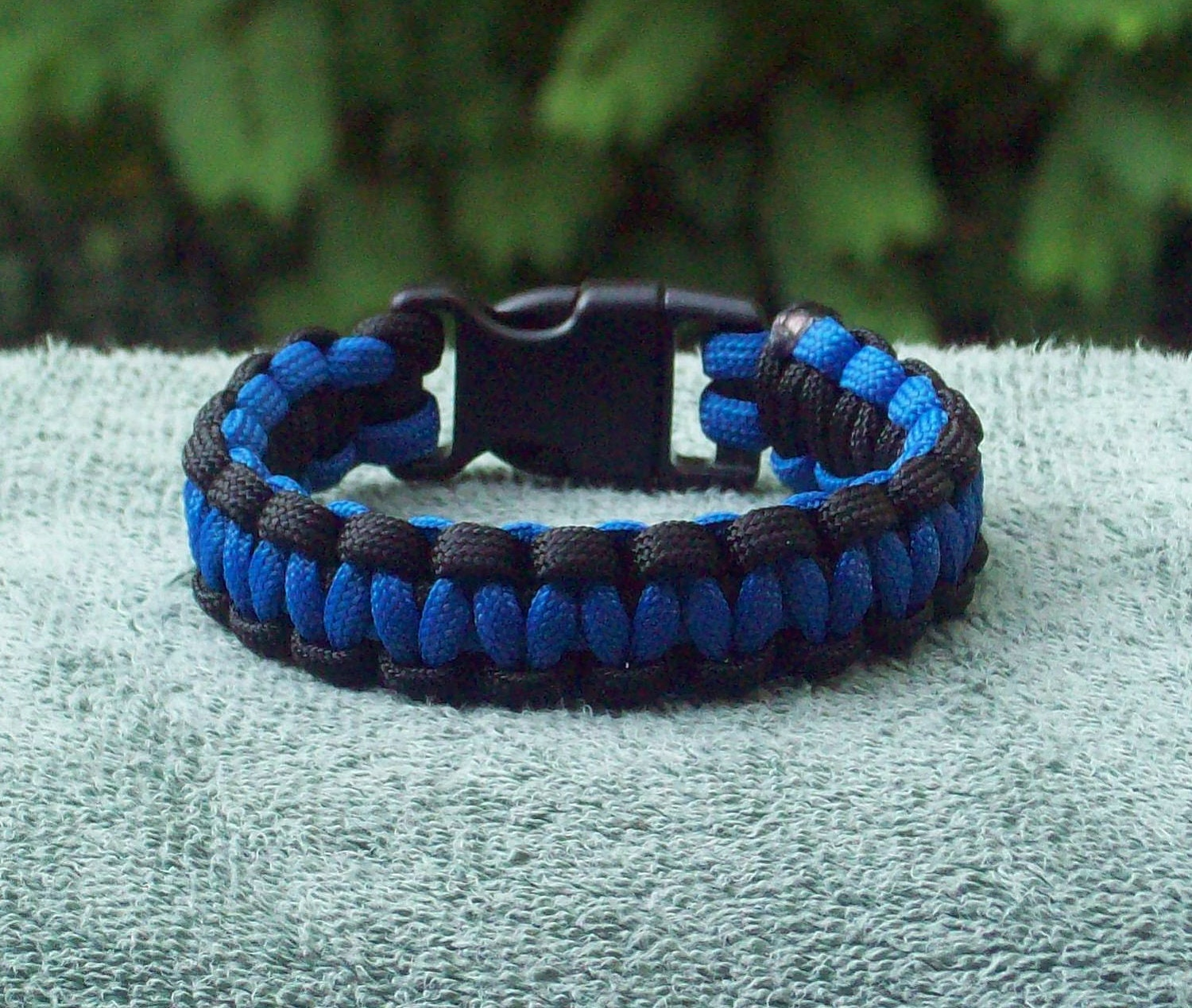 line the lives bracelet blue thin police back