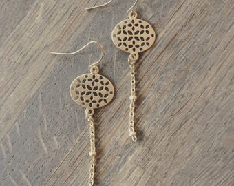 Matte gold dangle filigree earrings