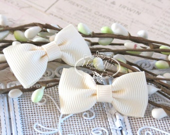 12 pcs Adorable IVORY Tiny Single Grosgrain Ribbon Bow Knot Ties , Fabric Bows Tie, Hair accessories.