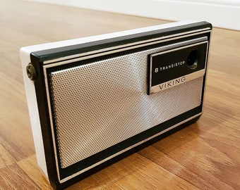 RARE 1967 Viking S6TRA81 Eight Transistor Pocket Radio, In Working Condition