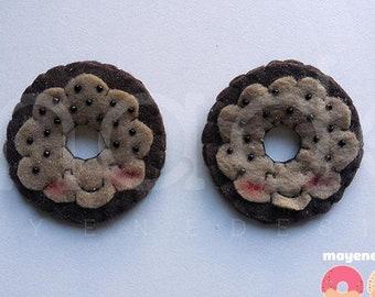peanut butter chocolate chip donut brooch, felt food pin