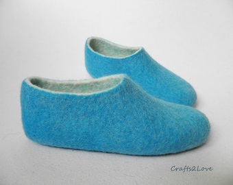 Felt slippers turquoise Wool Felted women slippers Womens Felt slippers House shoes Women warm bedroom slippers Made to order