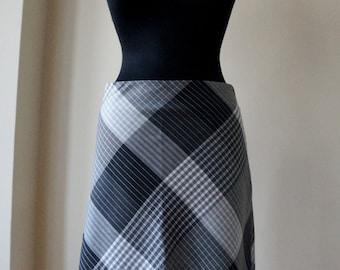 Midi plaid skirt, light and dark gray polyester and viscose tartan, A line skirt, bias cut, large size, women vintage fashion