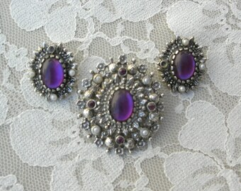 REDUCED Sarah Coventry Silver Pin/Pendant & Matching Clip-on Earrings, purple cabochon and tiny pearls, no flaws in pin