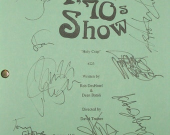 That 70s Show Cast Signed TV Screenplay Script Ashton Kutcher Danny Masterson Chong Topher Grace Mila Kunis Wilmer Valderrama Laura Prepon