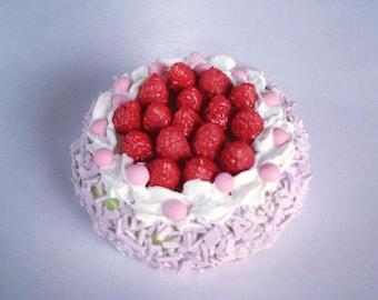 Miniature Cake 1:12 - Series 1 - 002