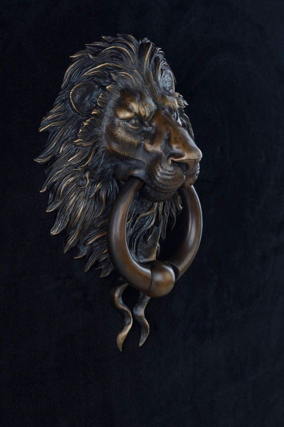 Classical Bronze Patina Finish Lion Head Door Knocker With