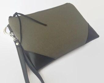 Wristlet, Leather wristlet, Wristlet wallet, Wristlet purse, Wristlet clutch, Clutch bag, Zipper clutch, Small purse, Wristlet bag, Clutch