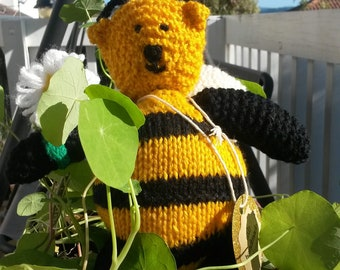 Handknitted honey bear