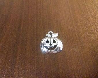 10pcs - 18mm x 16mm Silver Jack O'Lantern Charms - Halloween Charms - Pumpkin Charms - Holiday - Bulk Charms - DIY Jewelry