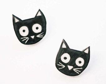 Cat brooch, cute cat brooch, ceramic brooch, nature accessories, Little cat brooch, Cat pin. Handmade clay brooch.Ceramic