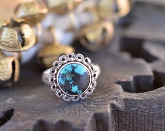 Turquoise ring and sterling silver boho flower setting cute Nepalese / Indian ethnic