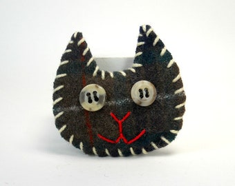 Cat Pin in Brown Plaid, Upcycled Wool Kitty Pin, Felted Wool Pin, Felt Brooch